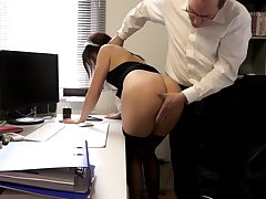 SExy amateur maid pussy fucked by the horny man