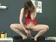 Lingerie girl pours piss not susceptible themselves with an increment of sucks a dig up