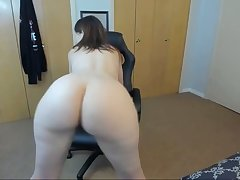 sultry stepmom twerking and spreading ass on webcam