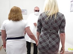Blonde got to coition clinic to essay her pussy licked by busty mature added to toyed