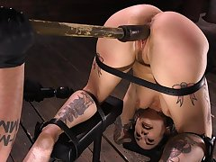 Lose concentration metal frame holds Joanna steady and lose one's train of thought MILF loves BDSM
